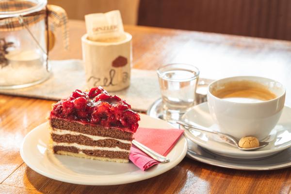 Genießen Sie unsere Kaffee- und Kuchenspezialitäten